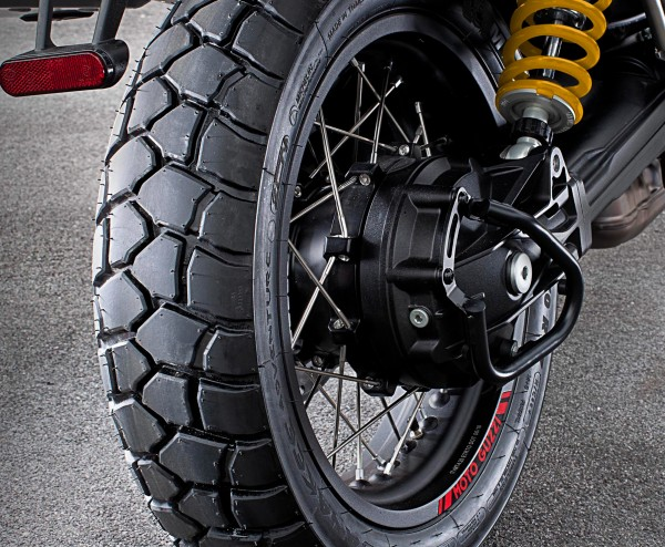 Cardan beschermbeugel zwart V85 TT origineel Moto Guzzi