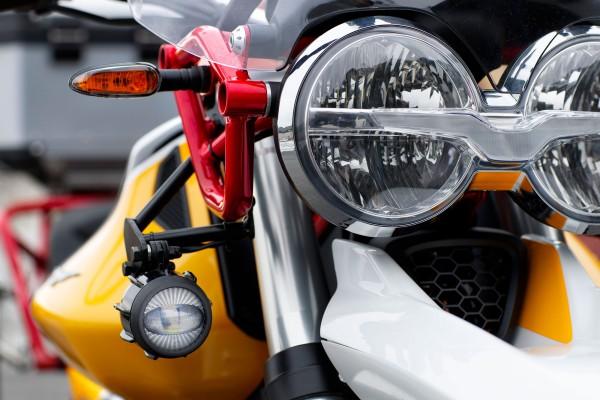 LED-mistlampen voor Moto Guzzi V85 TT inclusief installatiekit